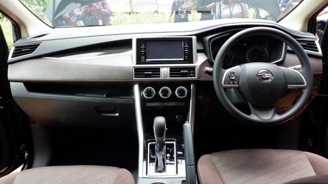 Mengapa All New Nissan Livina Tak Pakai Transmisi X-Tronic? (32344)