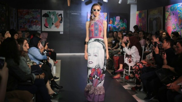 Cerita Maggie Hutauruk saat Pamer Karya di New York Fashion Week (107104)