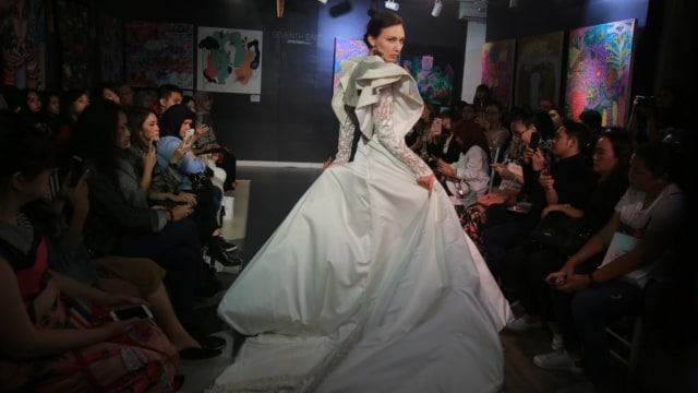 Cerita Maggie Hutauruk saat Pamer Karya di New York Fashion Week (107102)