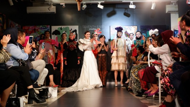 Cerita Maggie Hutauruk saat Pamer Karya di New York Fashion Week (107101)