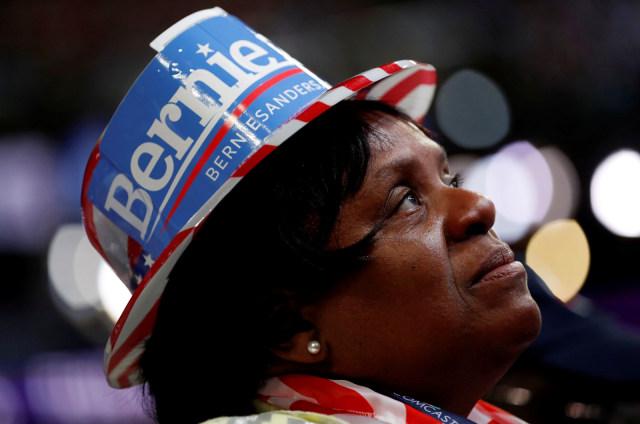 Pendukung Senator Bernie Sanders