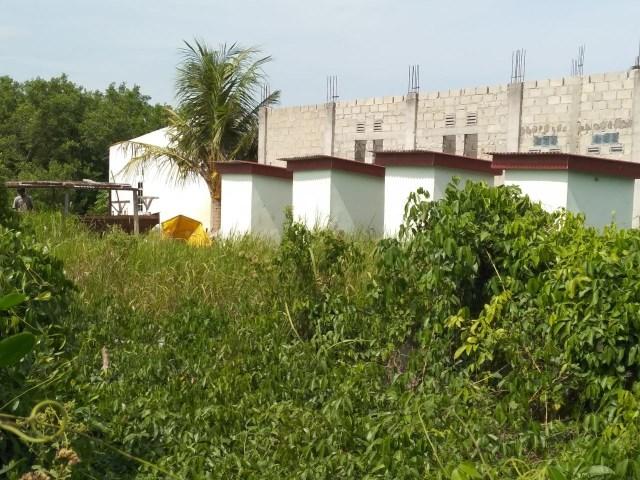 Proyek Toilet Umum Rp 1 Miliar di Karimun Mangkrak (270413)