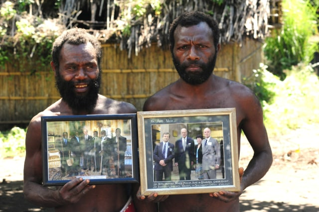Yaohnanen_Tribesmen_Show_Pictures_of_2007_Visit_with_Prince_Philip.jpg