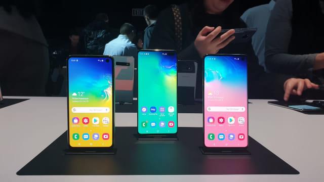 Trio Smartphone Samsung Galaxy S10, Galaxy S10 Plus, dan Galaxy S10e