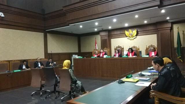 Direktur Utama PT Pertamina, Galaila Karen Kardinah alias Karen Agustiawan di Pengadilan Tipikor
