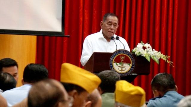 "Menteri Pertahanan Ryamizard Ryacudu, Simposium bertajuk ""Kembali Ke Jati Diri TNI"""