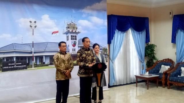 Jokowi Jenguk Ani Yudhoyono di Singapura: Saya Luangkan Waktu Khusus  (141954)
