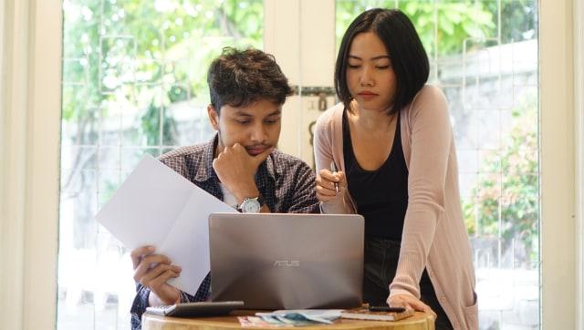 LIPSUS, Manajemen Keuangan Keluarga, Gaji, Uang