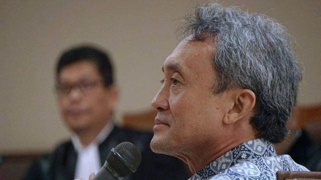 Eddy Sindoro Bantah Perintahkan Suap, KPK Beberkan Bukti Chat BBM (63975)