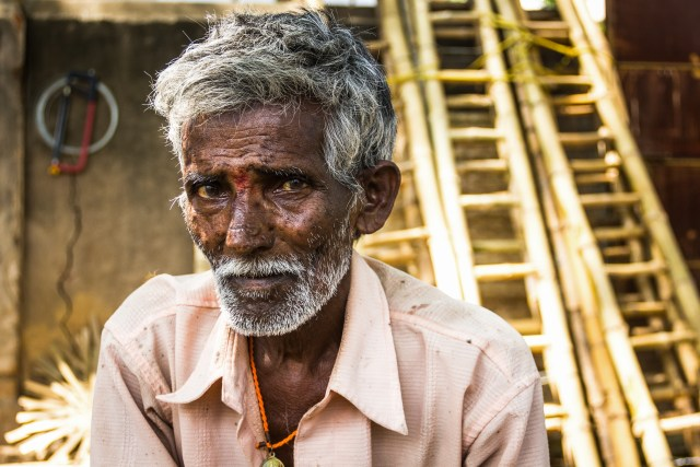 Ilustrasi Orang Tua di India