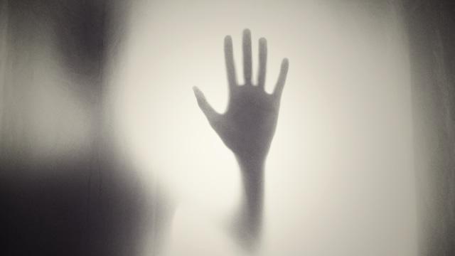 Kenapa Ada Orang yang Bisa Lihat Hantu? Ini Penjelasan Ilmiahnya (393888)