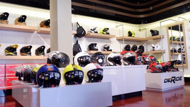 Berburu Helm Nolan dan Jaket Alpinestars di DeRide Store (68143)