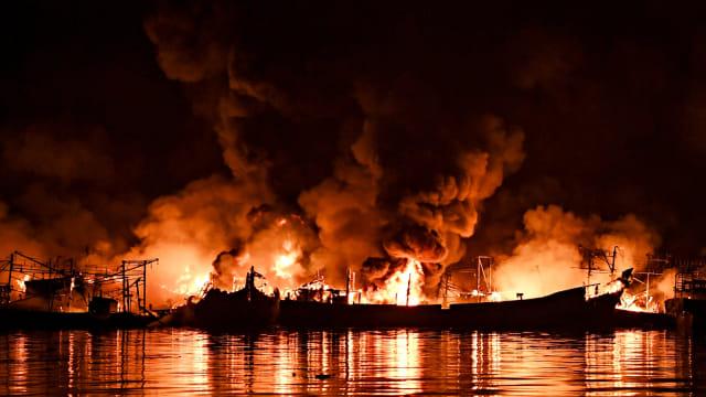 Kapal terbakar, Pelabuhan Muara Baru, Jakarta Utara
