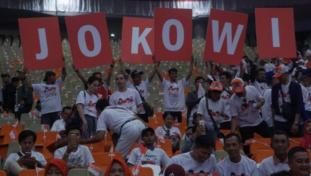 Di Depan Relawan, Jokowi Cerita Pernah Tinggal di Bantaran Sungai (175)