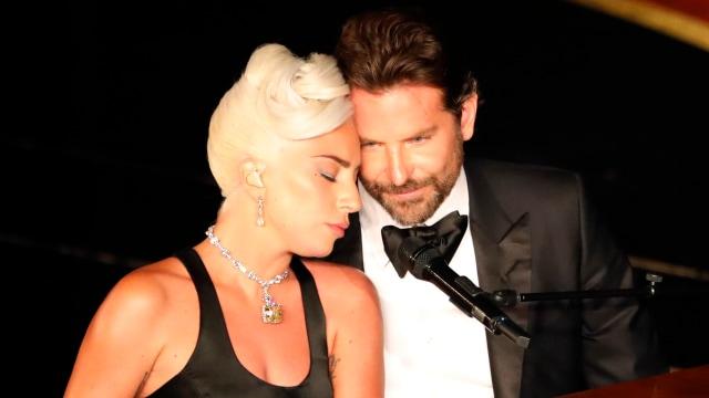 """Penampilan Lady Gaga dan Bradley Cooper saat menyanyikan lagu """"Shallow"""" di Academy Awards 2019"""