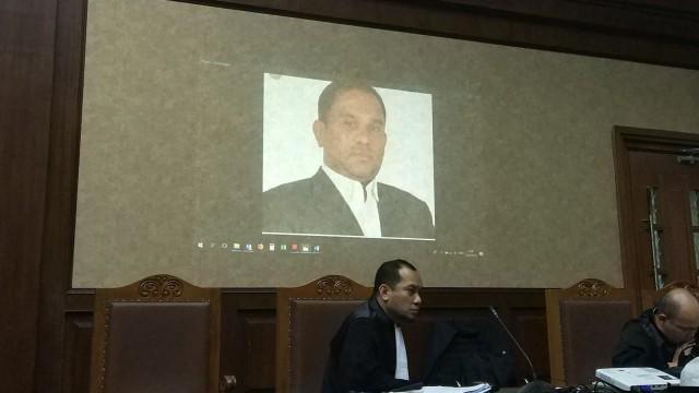 Foto Tersangka Kasus Gratifikasi Proyek Dermaga Sabang, Izil Azhar, Pengadilan Tipikor Jakarta