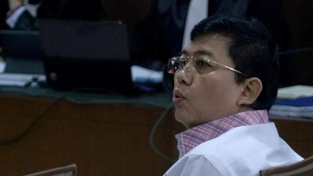 Kasus Dugaan Suap di MA, KPK Cegah Advokat Lucas ke Luar Negeri (310376)