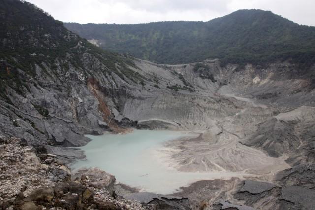 Cerita Rakyat Pendek: Cinta Terlarang Sangkuriang kepada Dayang Sumbi (332091)