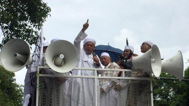 Sekjen FUI, Muhammad Al-Khaththath, Aksi Gabungan Massa FUI dan Gerakan Jaga Indonesia, Depan KPU, Jalan Imam Bonjol