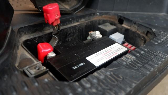 Jangan Lupa Rawat Motor Selama WFH, Ini Tips Biar Akinya Enggak Tekor  (254656)