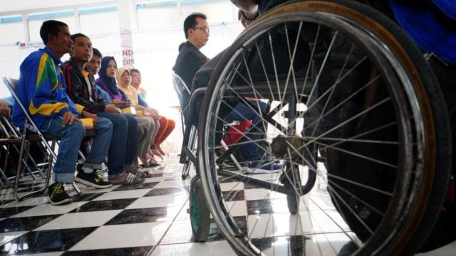 Berkursi Roda, Djumono dan Kawan-kawan Difabel Sosialisasikan Pemilu (9185)