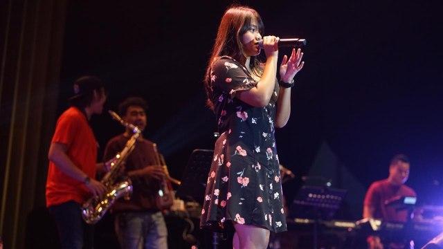 Hanin Dhiya bersama Warner Music Project di BNI Java Jazz Festival 2019