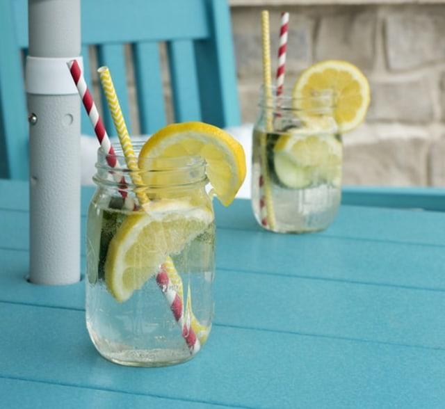Infused water lemon dan mentimun