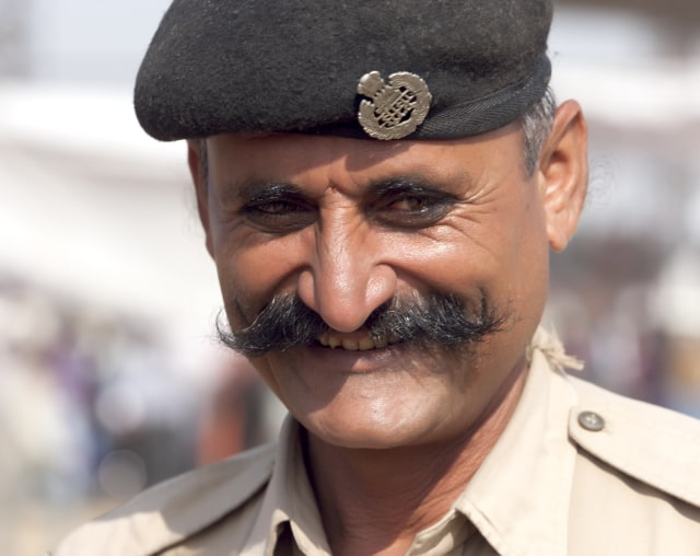 Ilustrasi Polisi Berkumis di India