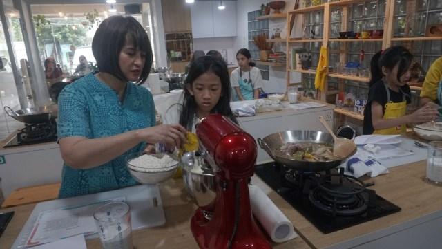 Santhi Serad di Ramu Rasa Cooking Studio