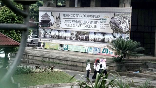 Foto: Pembangunan Tol Becakayu Terhambat (26526)