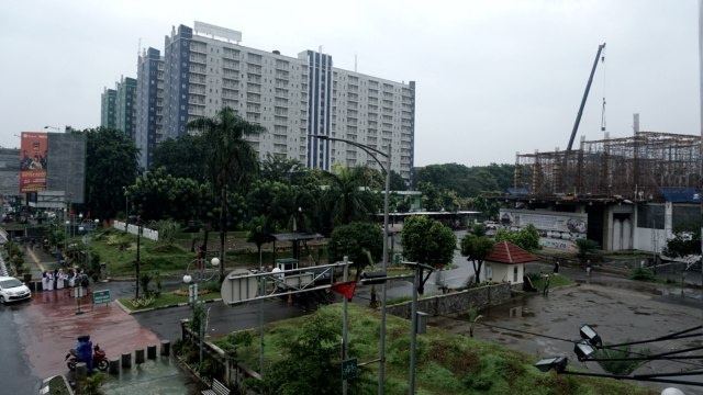 Foto: Pembangunan Tol Becakayu Terhambat (26521)