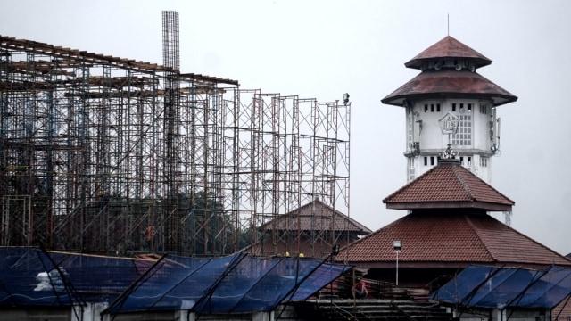 Foto: Pembangunan Tol Becakayu Terhambat (26525)