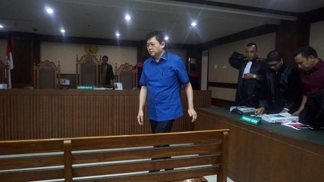KPK Tuntut Lucas Hukuman Maksimal 12 Tahun Penjara (571607)