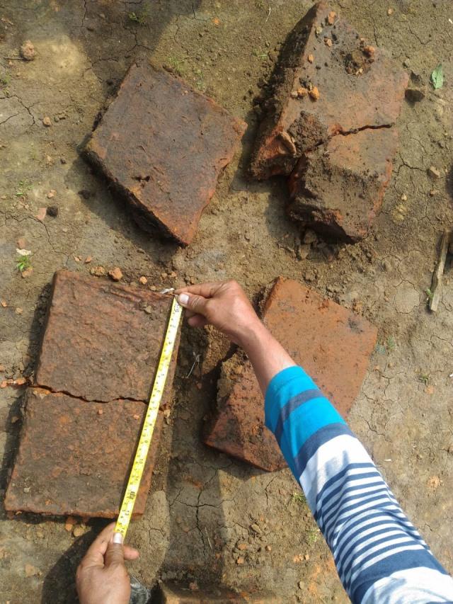 Benda Purbakala Ditemukan, Situs Kerajaan Diduga Jadi Proyek Tol  (6465)