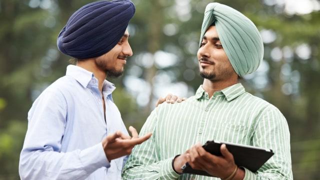 Apa Arti Gelengan Kepala Orang India Saat Berbicara? (12666)