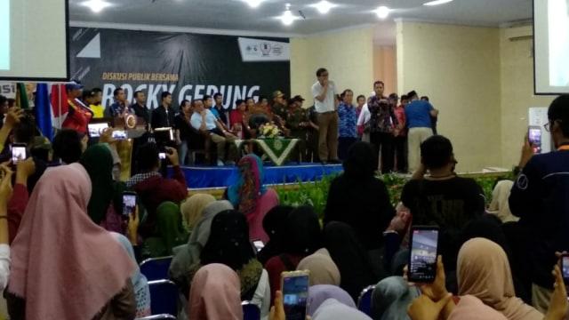 Rocky Gerung di Universitas Muhammadiyah Jember