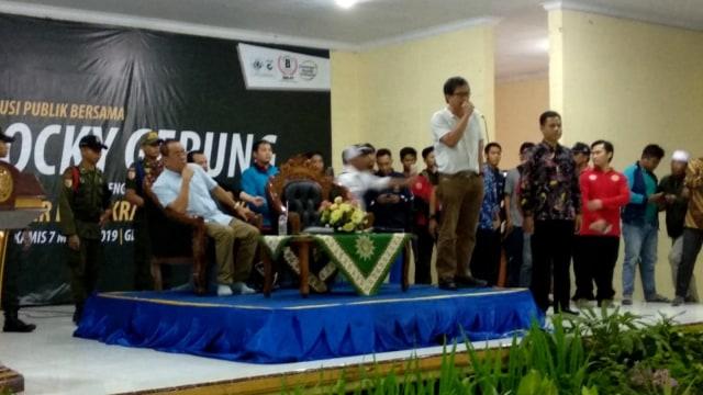 Rocky Gerung di Universitas Muhammadiyah Jember (NOT COVER)
