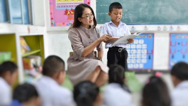 Indonesia Darurat Guru, Kok Bisa? (24530)