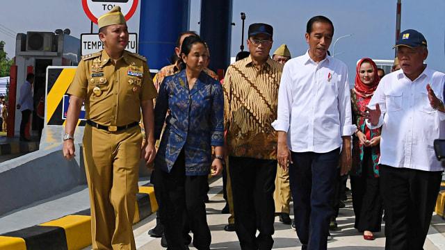 Jokowi, Basuki Hadimuljono, Budi Karya, Rini Soemarno, Ridho Ficardo, Tol Lampung