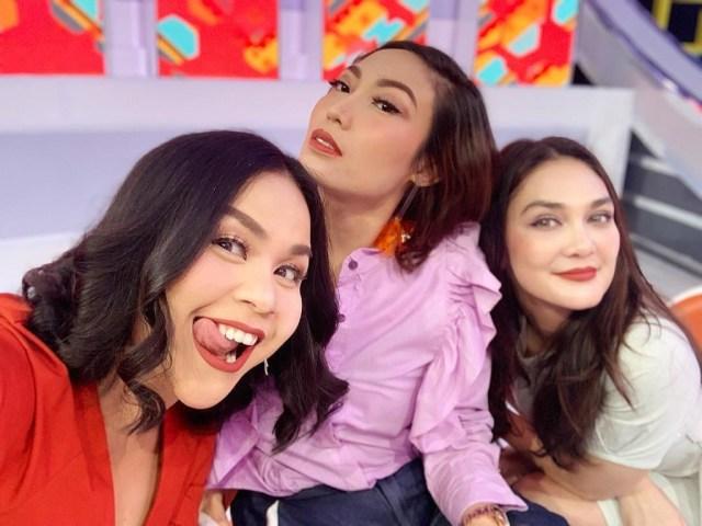 Luna Maya Dikabarkan Move On Dari Reino Barack Dan Punya Pacar Baru Ini Kata Melaney Ricardo Kumparan Com