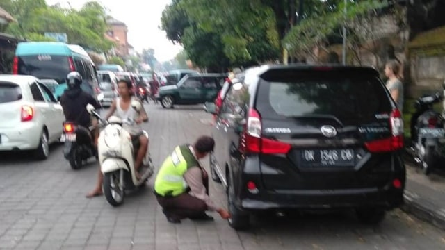 0803  Parkir di Ubud.jpg
