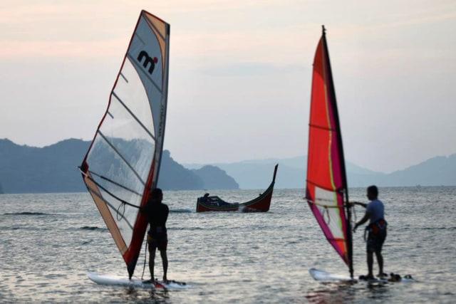 windsurfing5.jpeg
