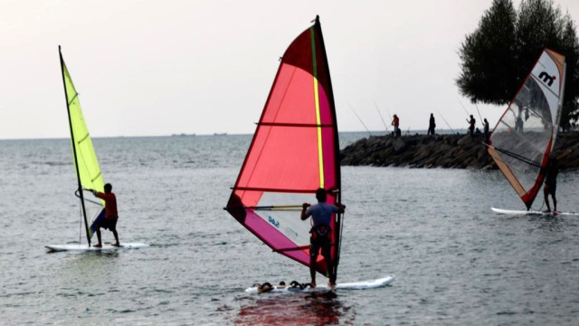 windsurfing1.jpeg