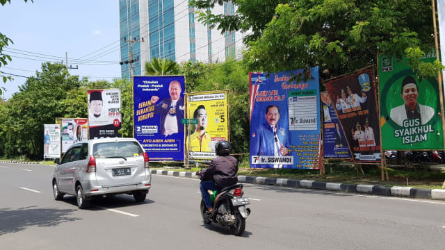 Tertibkan Alat Peraga Kampanye, Satpol PP Surabaya Malah Dianiaya (182755)