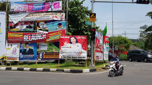 Tertibkan Alat Peraga Kampanye, Satpol PP Surabaya Malah Dianiaya (182754)