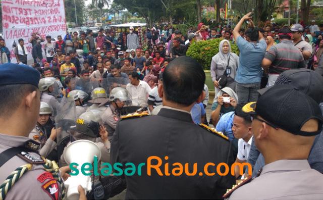 Kapolda Riau Tantang Warga Koto Aman1 .jpg