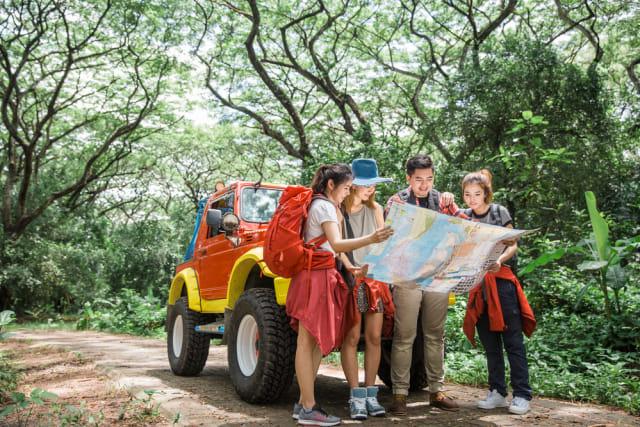 com-Ilustrasi Liburan dengan Mobil