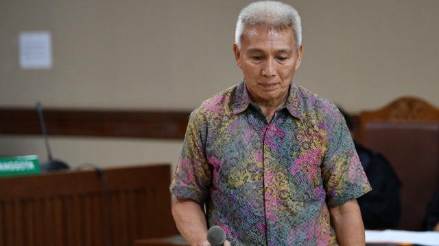 Bendahara Umum Komite Olahraga Nasional Indonesia (KONI) Jhonny E Awuy, sidang dakwaan di Pengadilan Tipikor, Jakarta Pusat