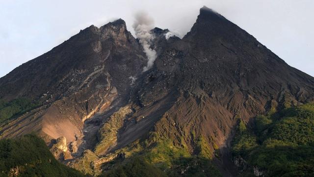 Sejak 30 Juni, Gunung Merapi Alami 6 Kali Guguran Awan Panas (186511)