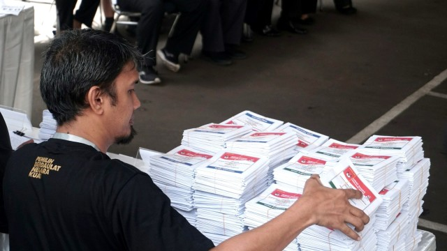 KPU Minta Pemilih Luar Negeri Tak Upload Foto ke Medsos Usai Nyoblos (1365377)
